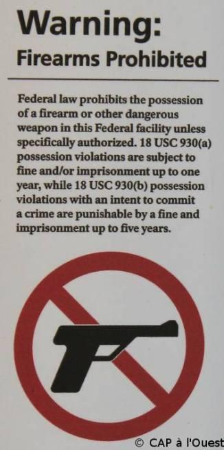 Au moins les armes à feu sont interdites dans les offices du tourisme, ouf !