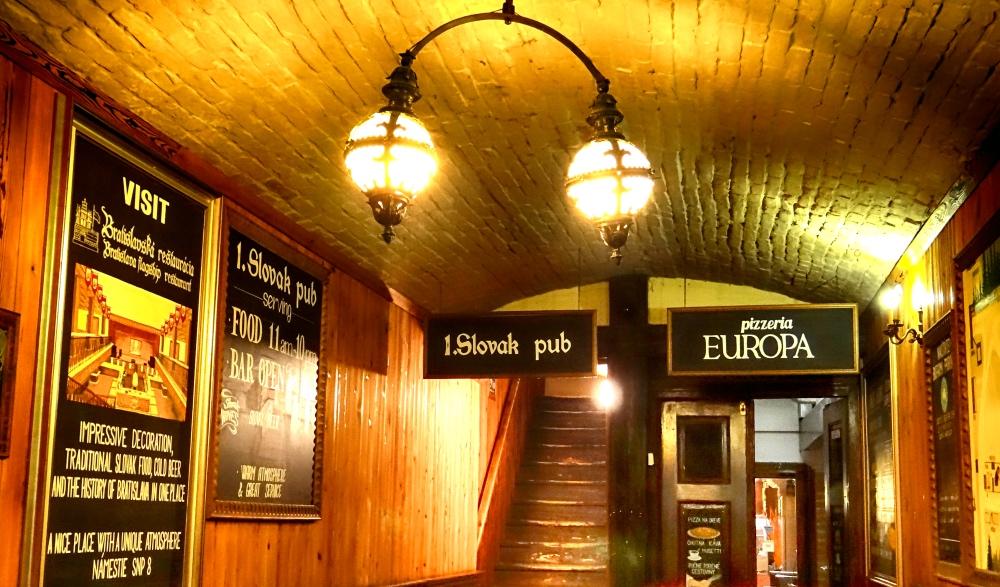 Comida típica eslovaca no Slovak Pub