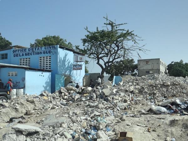 Cenário muito comum no centro de Porto Príncipe