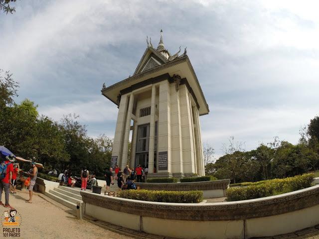 7. Monumento dentro do Killing Fields