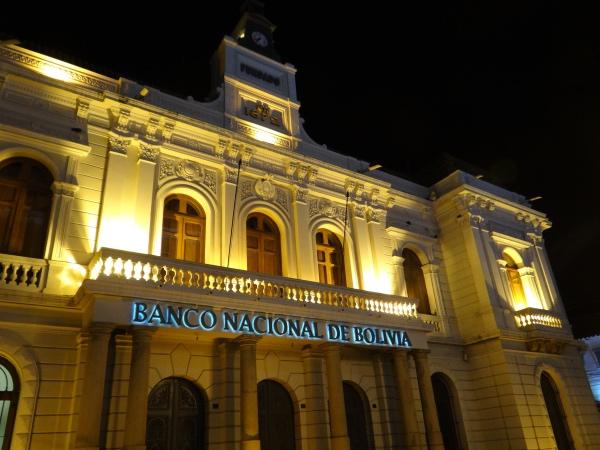 A fachada do Banco