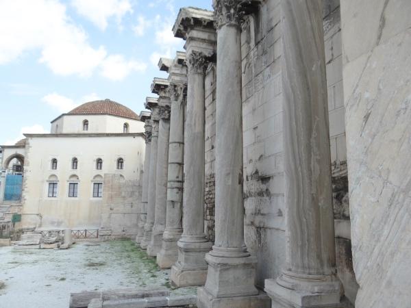 Colunas da Biblioteca de Adriano