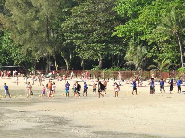 turistas-em-railay-beach