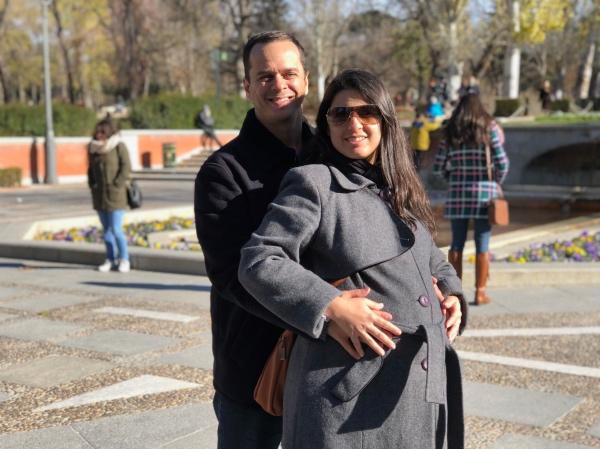 Grávida no parque do Retiro, em Madri