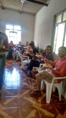 A comunidade gentilmente fez almoço para todos 2