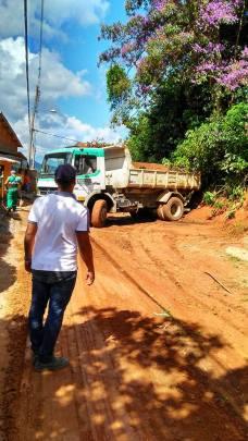 Caminhão para limpeza no Vista Alegre - 8-03-2017