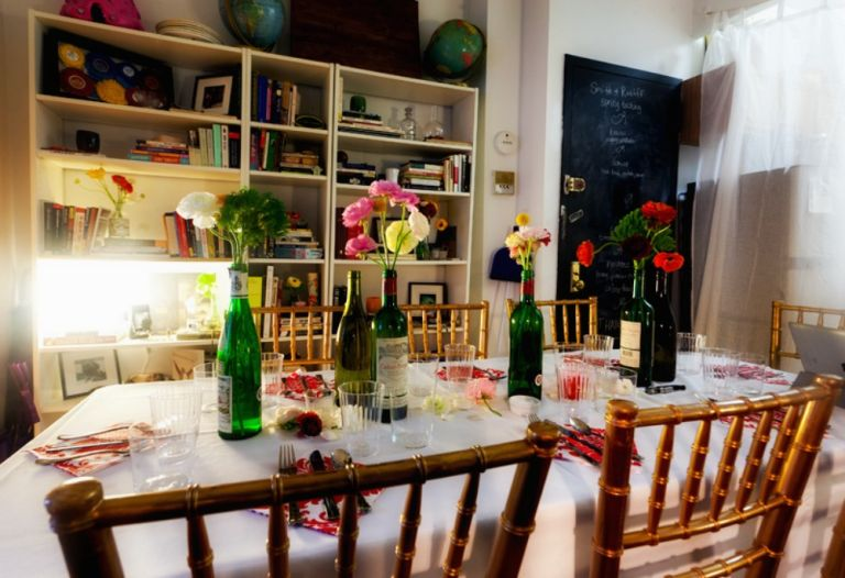 table-set-for-dinner-party-new-york-city