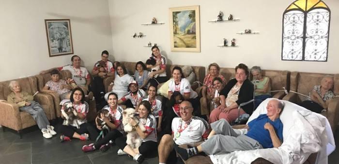 MEDICÃO BRASIL leva terapia assistida à Casa de Repouso BEM STAR
