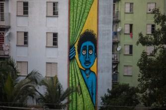 Mural produzido pelo artista Mundano.