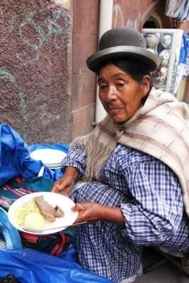 ViraVolta: A arte de viajar barato - tia da comida