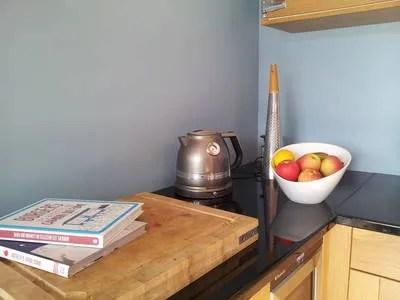 Cuisine contemporaine et chaleureuse dans un appartement toulousain Apart conseils  Ct Maison