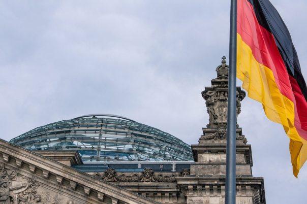 Aus Sicht von Kanzlerin Angela Merkel gibt es bis 2030 keine Notwendigkeit, das Rentensystem wieder zu verändern.