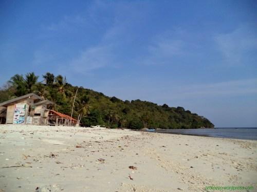 Pulau Tangkil yang masih asri dan terjaga
