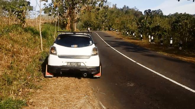 Melibas Tanjakan dengan Datsun Go