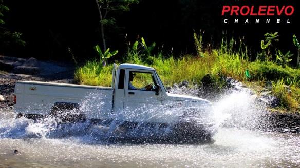 Review Mobil Tempur Mahindra Bolero 4X4 Turbo Indonesia
