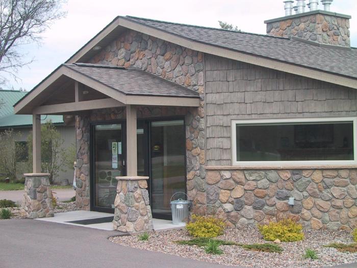 Hillside Split Rock Veneer  Exterior Stone Walls  Pro