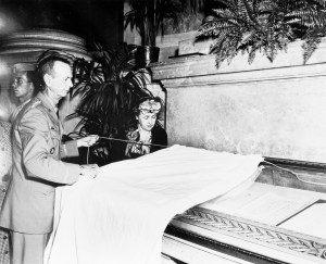 General Wainwright unveils exhibit of surrender document, September 12, 1945. (National Archives Identifier 4477174)