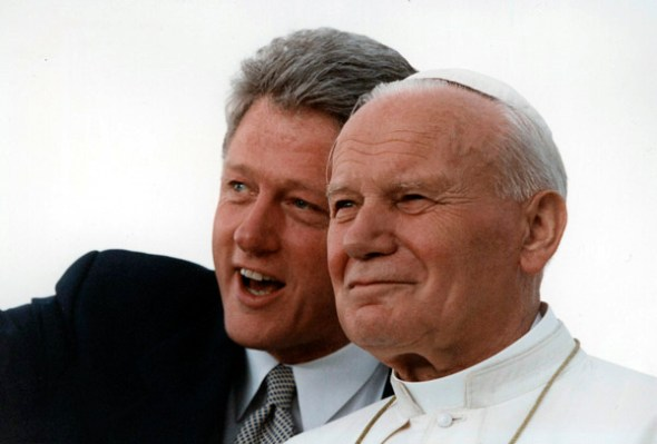 hotograph of President William J. Clinton and Pope John Paul II Admiring the Crowd at Denver's Stapleton International Airport, August 12, 1993. (National Archives Identifier 3172769)