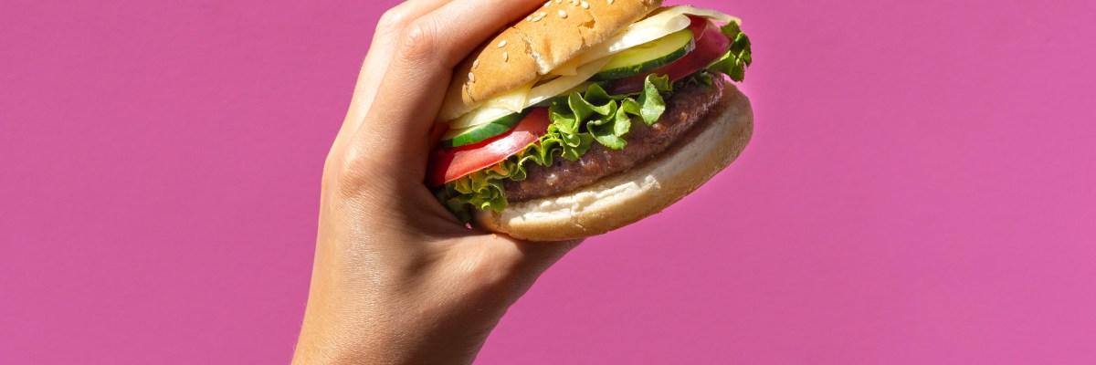Volantinaggio per ristoranti: perché è meglio farlo d'estate?