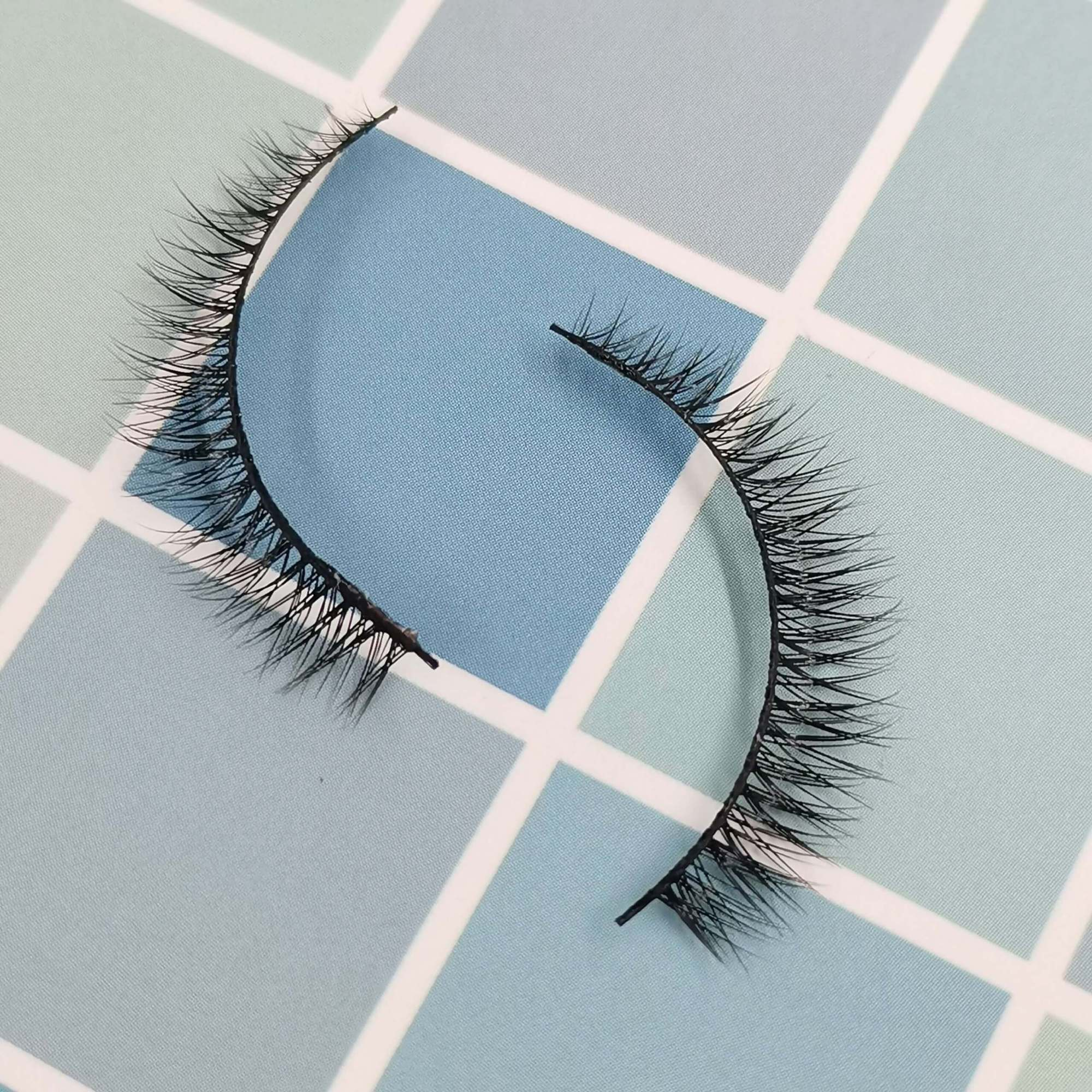 A pair of bottom eyelashes for your eye shape and its model is x001. Trust me, ProluxuryLashes brand is the best eyelash supplier