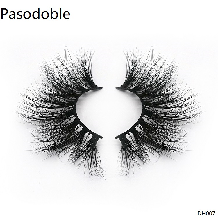 A pair of strip lashes mink which called Pasodoble