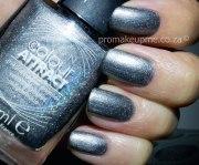 grey & turquoise bling nail art