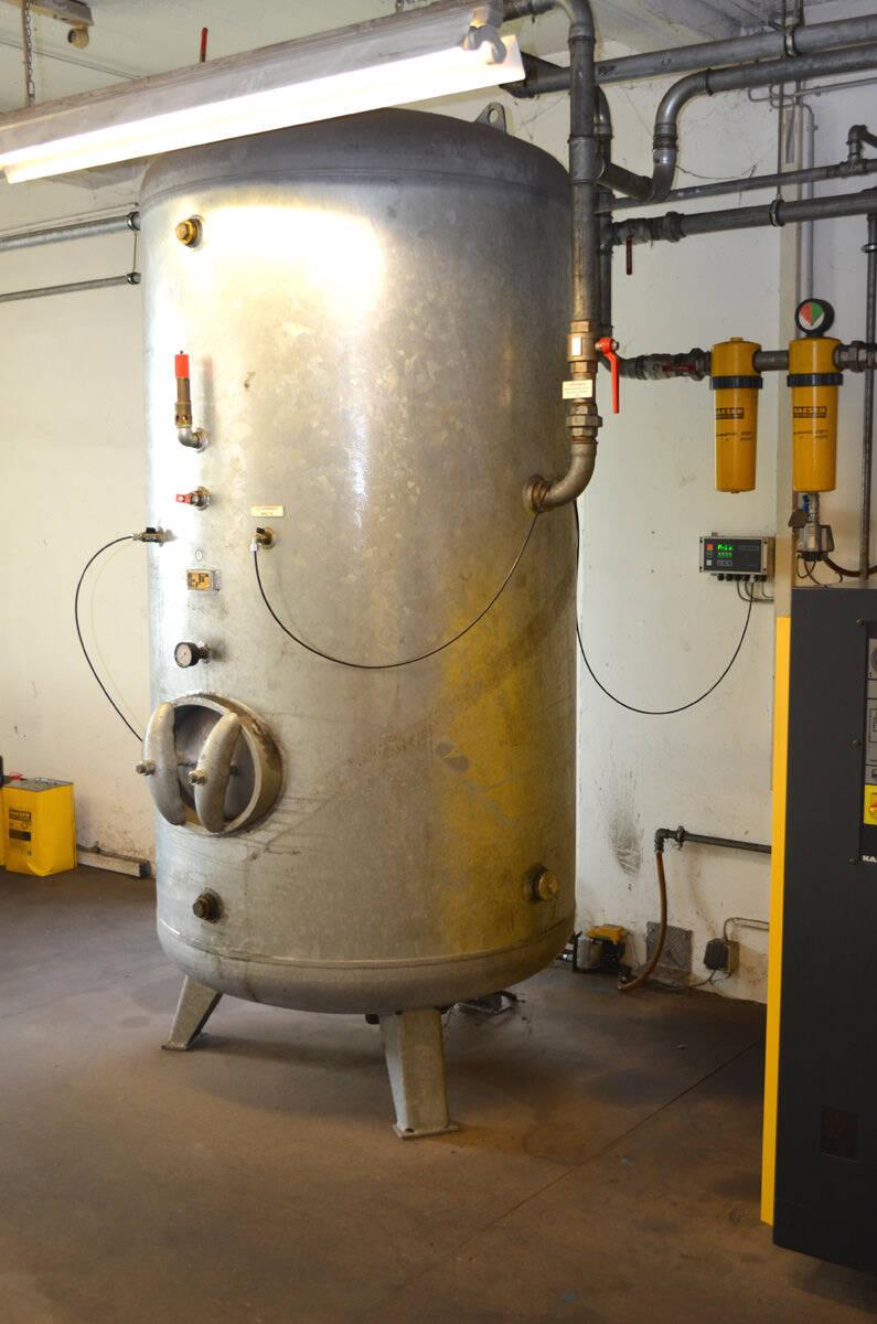 hight resolution of  kaeser screw compressor system second hand 4