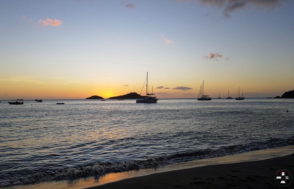 Coucher de soleil à la plage de la Malendure