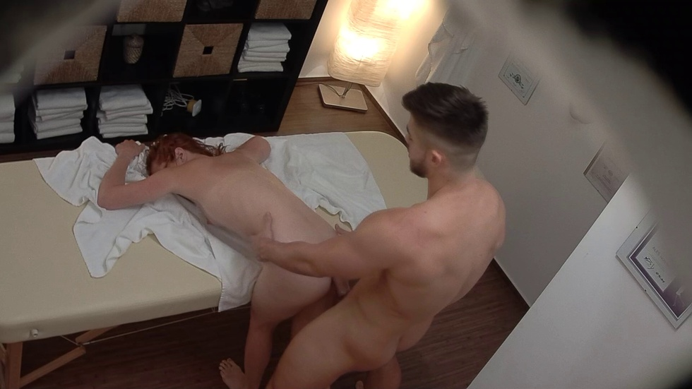 Czech Massage: Voyeur Massage - She thought nobody is watching