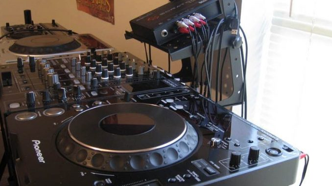 DJ-Set-Up_old-1024×438-678×381