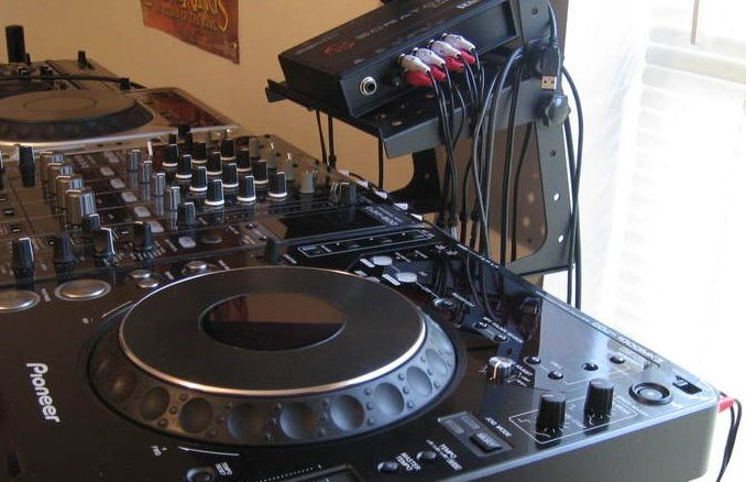 DJ-Set-Up_old-1024×438-678×438
