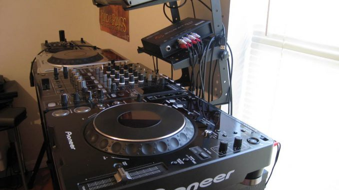 DJ-Set-Up_old-678×509-678×381