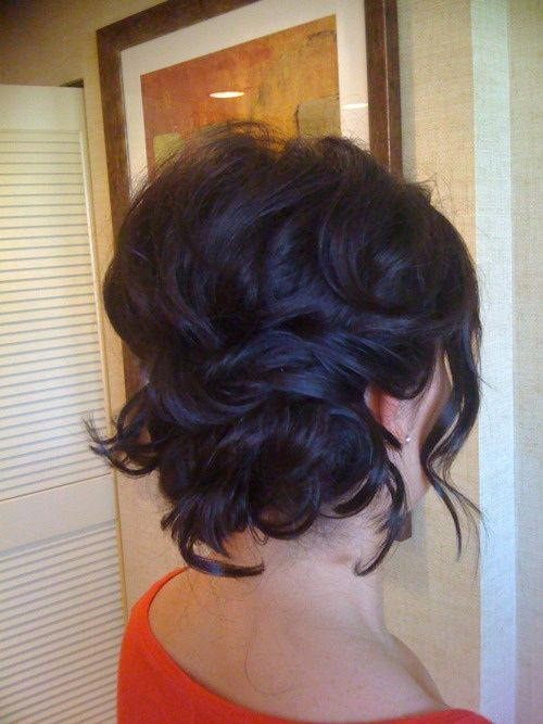 Loose messy bun for short wedding hair