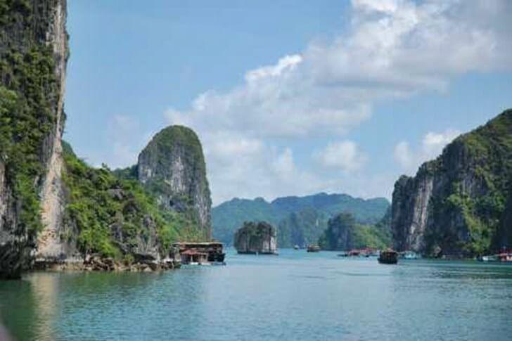 Cheap Holiday Destination - Vietnam Halong Bay