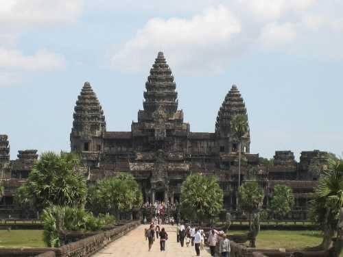 Cheap Holiday Destination - cambodia Angkor wat