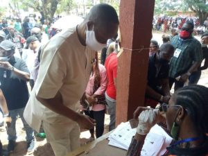PHOTO: #Edo Decides: Business Mogul, Captain Hosa Okunbo Votes