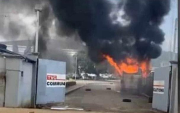 BREAKING: TVC News station on fire, vehicles burnt – Prompt News