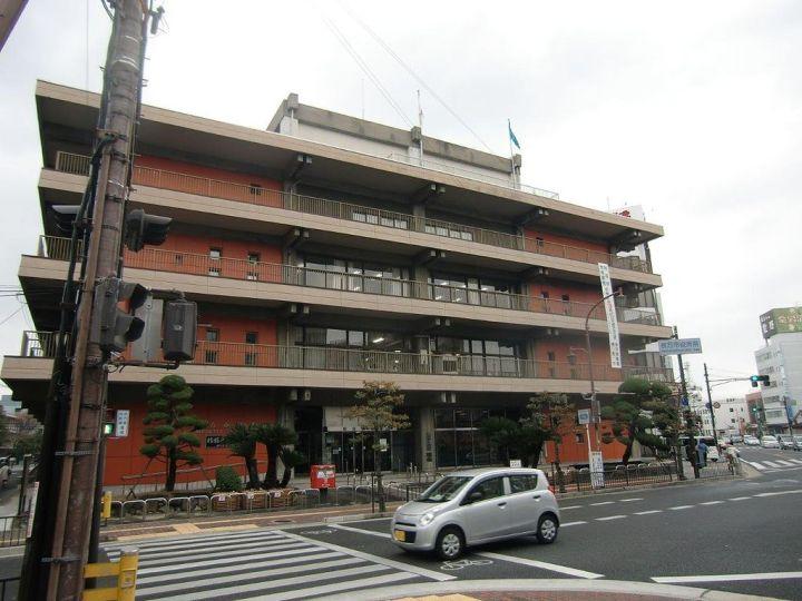 枚方市役所 Photo by Route171