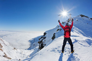 Sonnenschutz im Gebirge sehr wichtig! (©123rf.com)