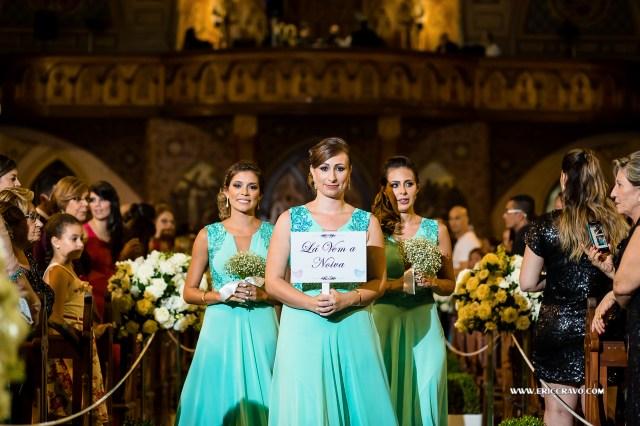 Detalhe para as damas de honra que são amigas da noiva há pelo menos 15 anos!