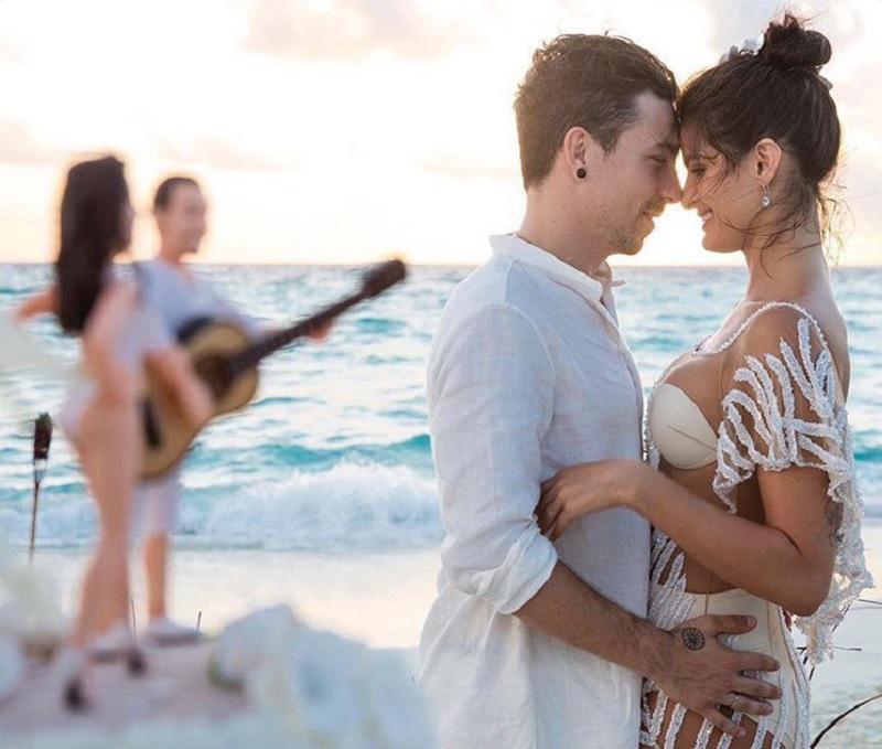 Casamento da modelo Isabeli Fontana e do cantor Di Ferrero nas ilhas Maldivas