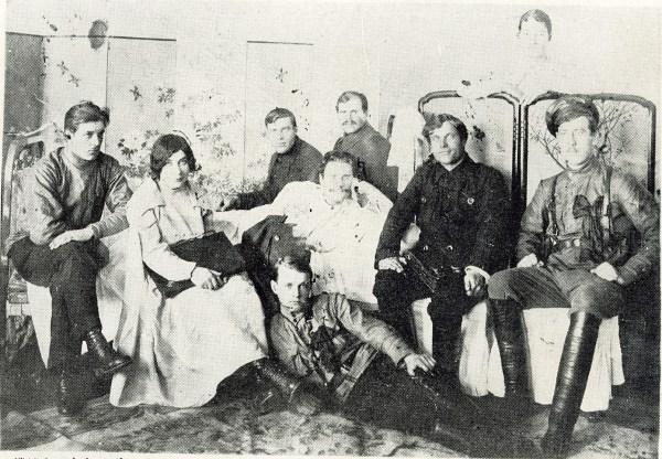 赤軍パルチザンの首領・トリャピーツィンとその仲間