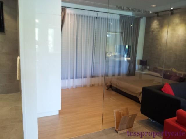 580sf bedroom
