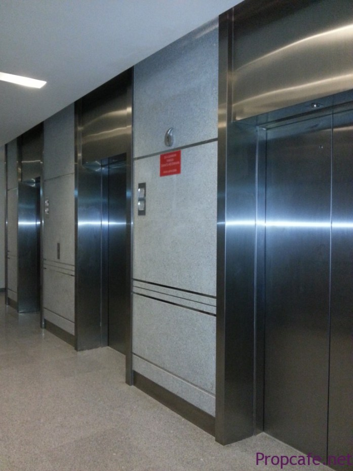Common lift area