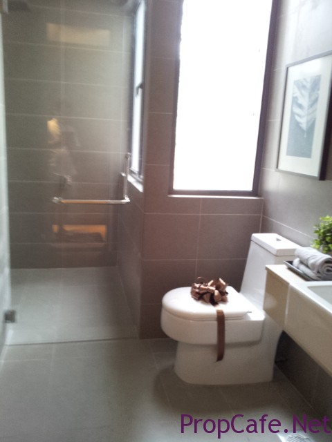 bedr2 Toilet 2