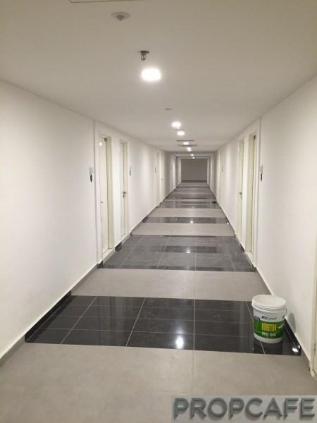 Avenue_D'vouge_corridor2