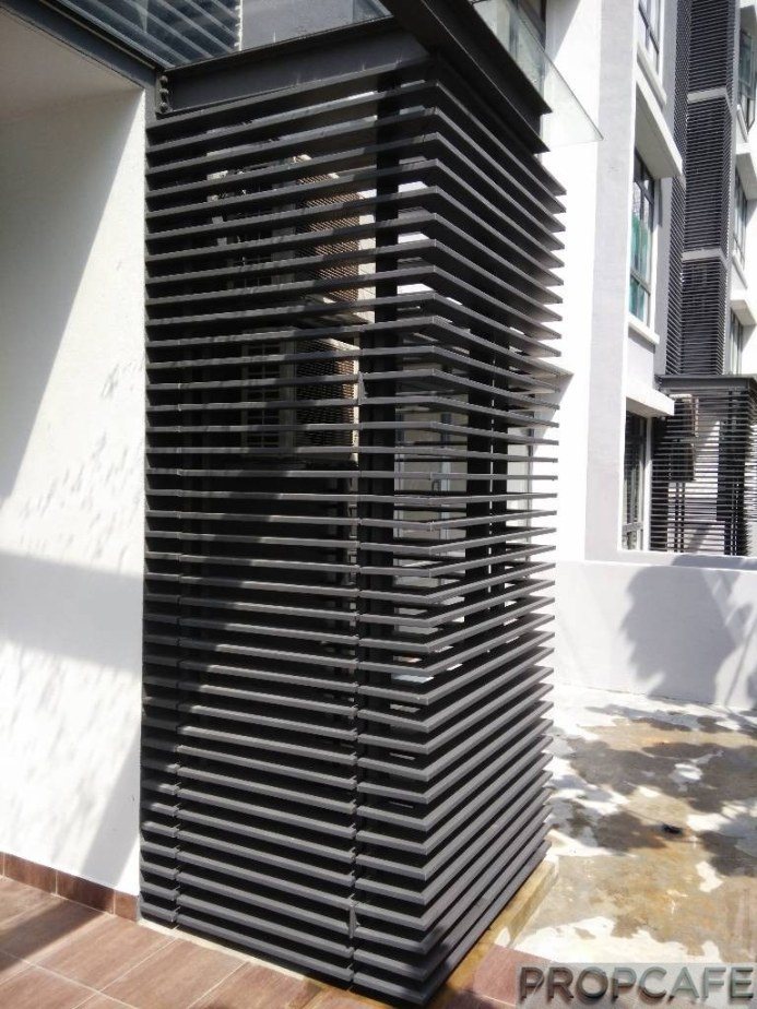 Louver covering compressor of air conditioners
