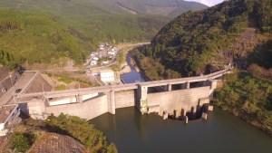 日南ダムをドローンで空撮