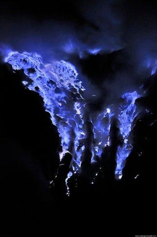 Blue Lava- Indonesia (1)