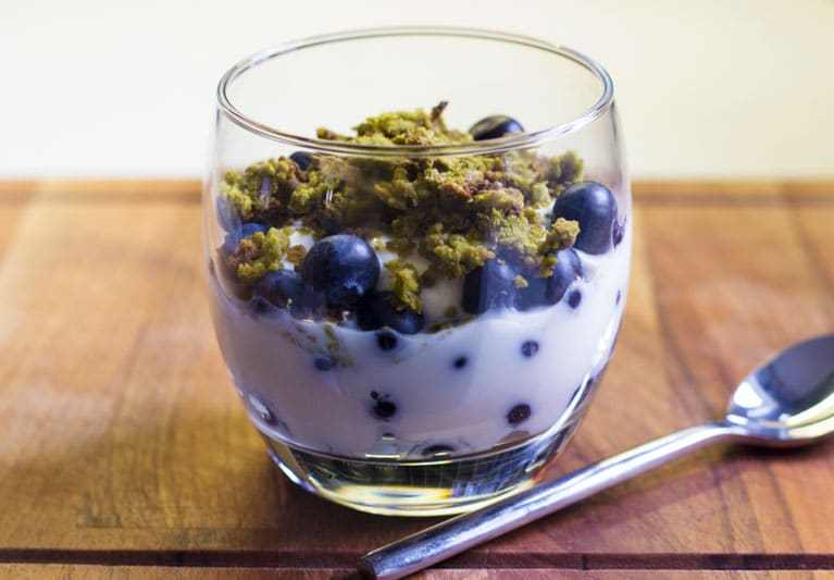 matcha granola yogurt and blueberries